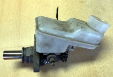 Toyota Yaris I Bremskraftverstärker 47207-47202